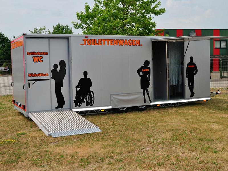 Toilettenwagen Verleih mit behinderten WC nach DIN 18024