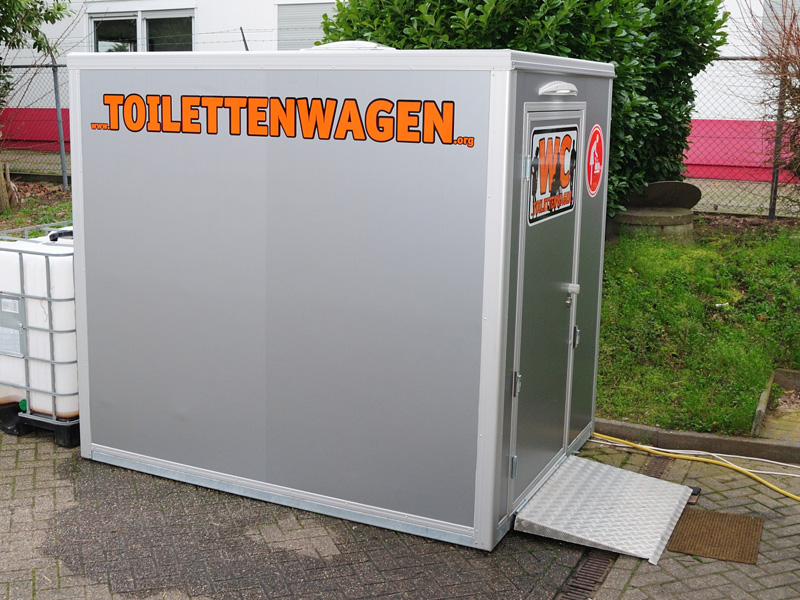 WC Container Barrierefrei mieten - Tobias Evers