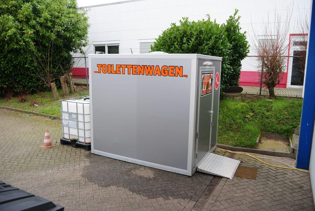 WC-Container-Vermietung-Tolettenwagen-Verleih-Tobias-Evers